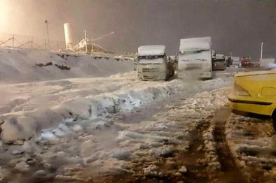 فیلم| سختیهای کار حمل و نقل جادهای کالا