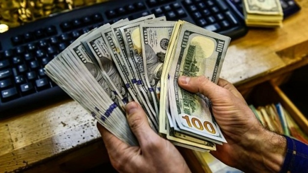 دلار بانکی در آستانه ورود به کانال ۱۳ هزار تومان