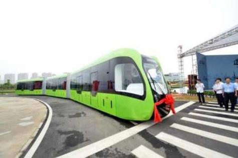 ساخت اولین وسیله نقلیه دو منظوره بدون راننده جهان در چین