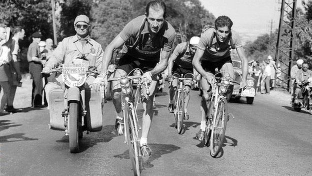 چگونه یک دوچرخهسوار جان صدها نفر را نجات داد؟