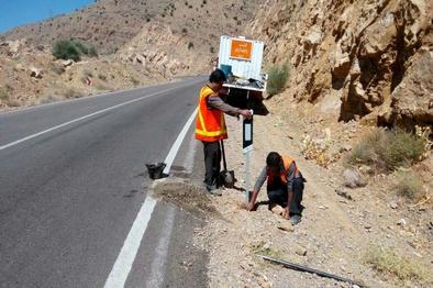 دو سارق تابلوهای جادهای دستگیر شدند