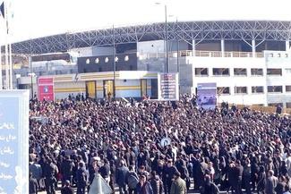 تجمع اعتراضی دانشجویان علوموتحقیقات مقابل دانشگاه