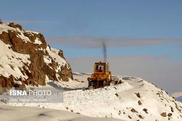 برف و کولاک ۱۹۲ راه روستایی را در قزوین مسدود کرد