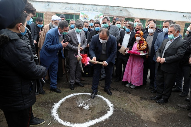 کلنگ احداث 4 واحد آموزشی در مغان به زمین زده شد