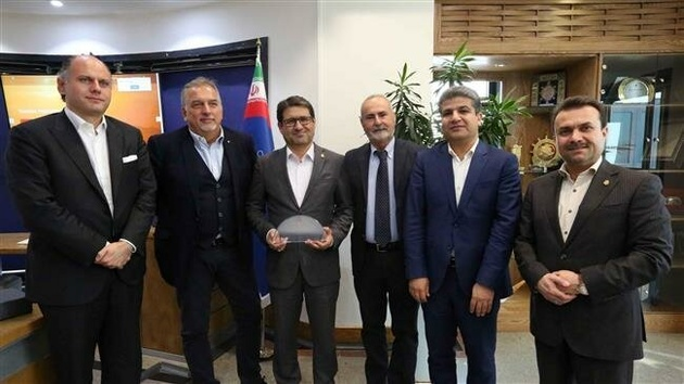 Iran, Italy discuss launching direct shipping route