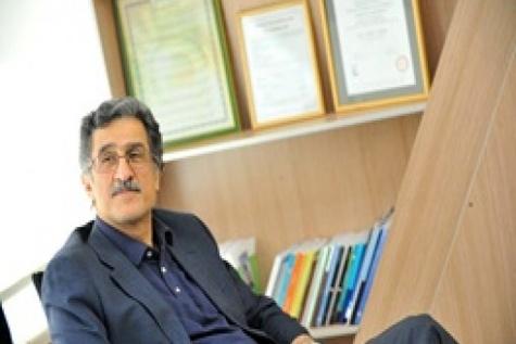 انتقاد مسعود خوانساری از وضعیت اقتصاد کشور: در مورد نرخ ارز محافظه کاری را کنار بگذارید