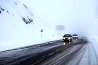 بارش برف و کولاک دید افقی در برخی جاده های استان کردستان را به 100 متر کاهش داد