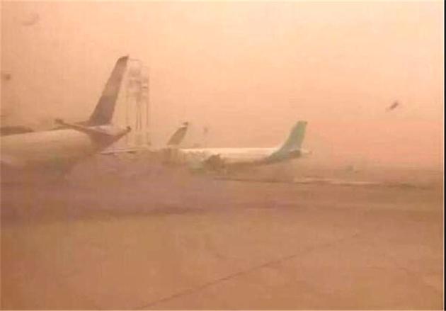 کاهش دید افقی در فرودگاه زابل به 300 متر رسید