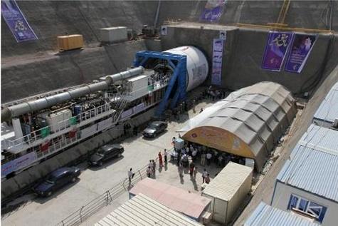 خط دو مترو قم راهگشای مشکلات ترافیکی پردیسان