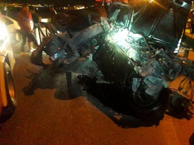 متلاشی شدن خودروی پژو در حادثه رانندگی در شیراز