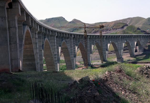 اتصال مسیر ریلی قزوین-رشت-آستارا به انزلی ضروری نیست