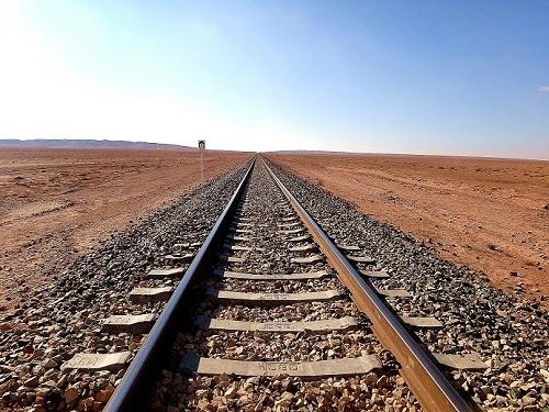 ریلگذاری خط آهن همدان- سنندج با حضور وزیر راه و شهرسازی آغاز شد