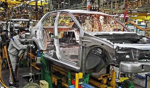 مشکل پنهان قیمت بالای خودرو، کاهش درآمد دولت است