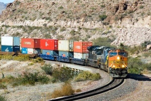 رشد ۱۸ درصدی حمل بار در راهآهن جنوب