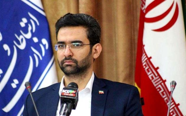 بازدید آذریجهرمی از رکز فرماندهی و کنترل هوشمند پلیس تهران