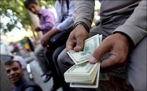 بازار ارز پاتوق نوسانگیران شد