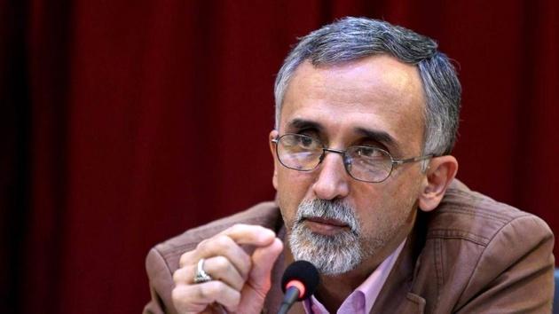 یک تحلیلگر سیاسی: اگر دفتر رئیسجمهوری حساب و کتاب داشت، حسامالدین آشنا باید از مسئولیت خود عزل شود