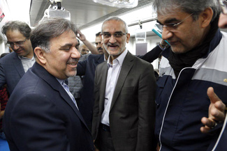 گزارش تصویری/سفر وزیر راه و شهرسازی با مترو در روز جهانی بدون خودرو
