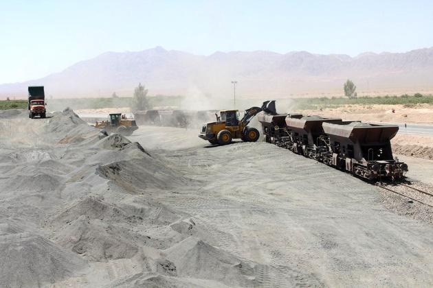 حمل ترکیبی سنگ آهن از معدن میشدوان به کرمان برای اولین بار