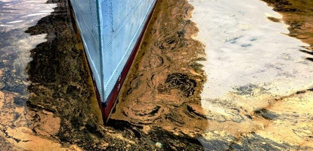 Australia increases marine pollution fines