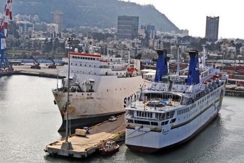 Haifa Port workers defy court