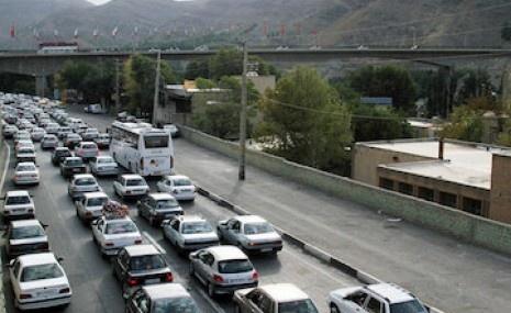ترافیک سنگین در آزادراه قزوین-کرج و جاده شهریار-تهران/14 جاده مسدود است