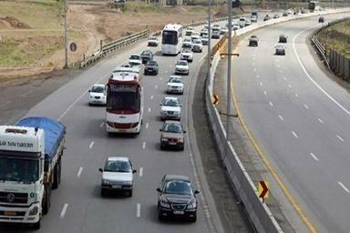 ترافیک در همه معابر و بزرگراهها روان است