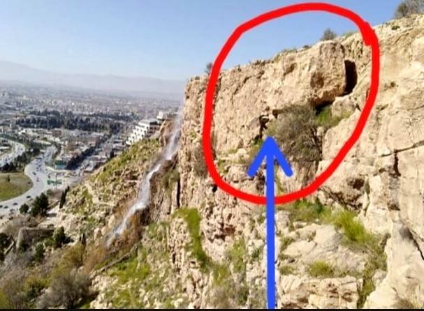 خطر سقوط سنگ چندتنی دروازهقرآن را تهدید میکند