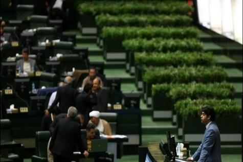 تمایل لاریجانی برای حفظ ترکیب کمیسیون شوراها در مجلس دهم
