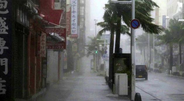 طوفان ژاپن بیش از هزار پرواز را لغو کرد