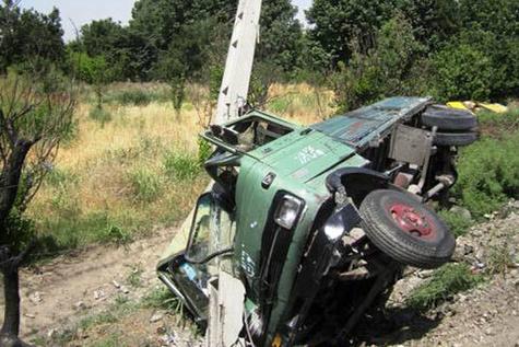 برخورد تاکسی و خاور در شهر قدس حادثه آفرید/۶ نفر مصدوم