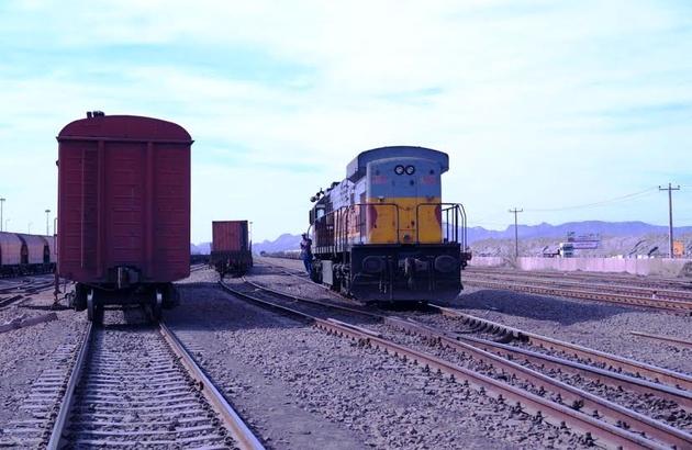امتیازات ویژه حمل بار جادهای که قدرت رقابت را از راهآهن میگیرد