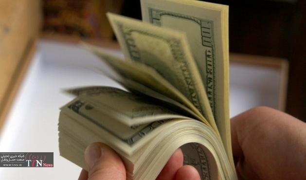 افزایش تردد در بازار ارز / دلار به مرز ۳۷۰۰ تومان رسید