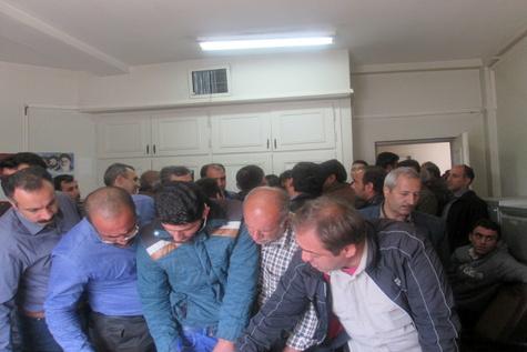 تجمع اعتراضآمیز رانندگان در محل پایانه باربری قزوین