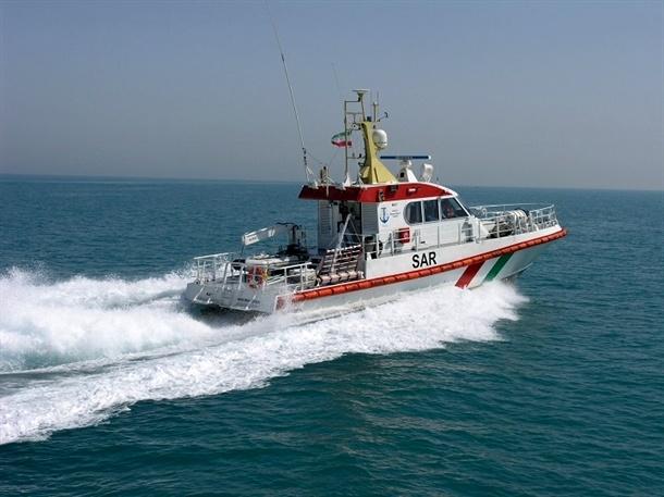 عملیات امداد و نجات شناور کوروش ۲ از غرق شدن در آبهای استحفاظی استان بوشهر