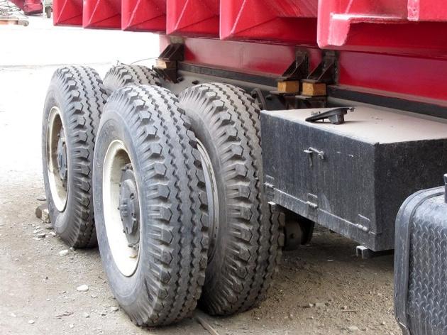 گرانی لاستیک اصلیترین معضل کامیونداران