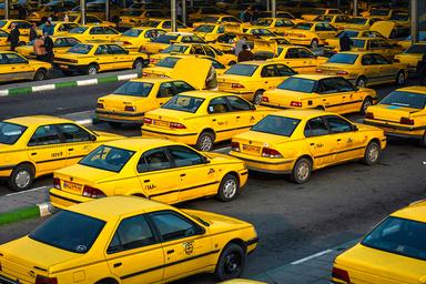 آغاز تبلیغات روی تاکسی ها،  برای حمایت از تاکسیرانان