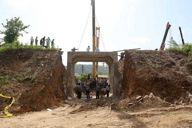 ساخت زیرگذر ماشینرو در شهر شیرگاه