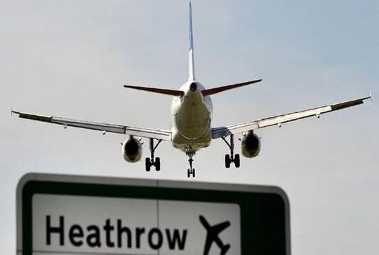 ببینید: فرود ترسناک ایرباس A380 از روی اتوبان