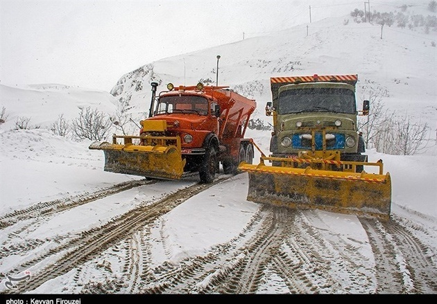 جادههای مواصلاتی استان مازندران برفی است