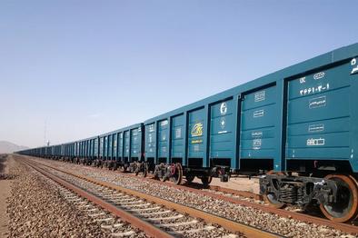 ارایه تسهیلات به شرکتهای ریلی که با قطار بار بنادر را حمل میکنند