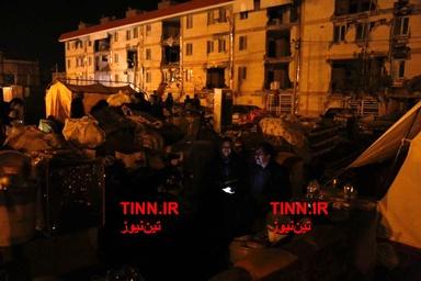 آوارگان زلزله در شب