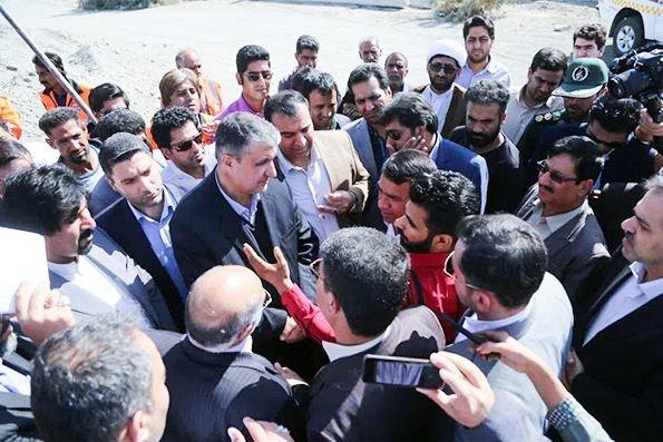 بازدید معاون اول رییس جمهور و وزیر راه از روستاهای زلزله زده کرمانشاه