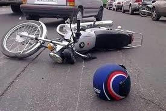 تصادف عجیب موتورسوار و فرار عجیب تر راننده پراید حاضر در صحنه