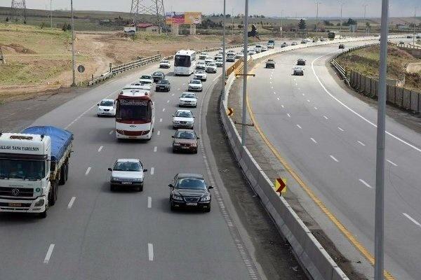 ترافیک پر حجم و روان در محورهای هراز و فیروزکوه