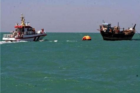 یک فروند لنج پاکستانی در آب های آزاد چابهار توقیف شد