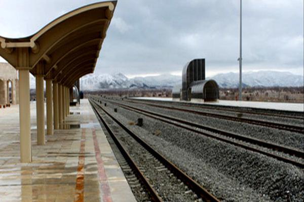 پیگیری بهسازی فضاهای ایستگاه راهآهن آبیک