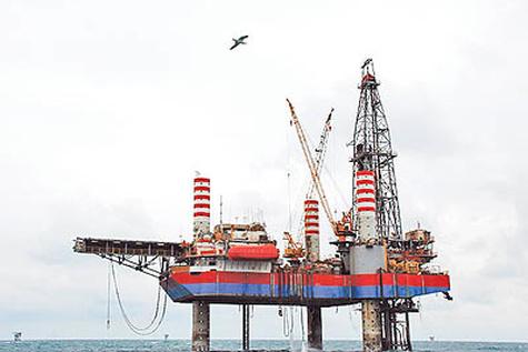 دو سیگنال غولهای نفتی به بازار