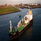 Shell starts operating hyper-modern LNG bunker vessel in Rotterdam
