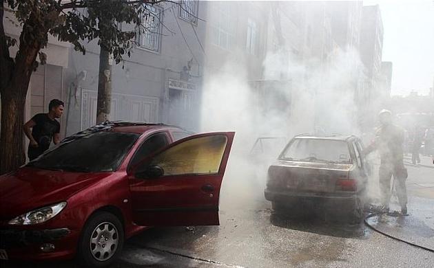 حریق همزمان 3 خودرو در شهرری + تصاویر